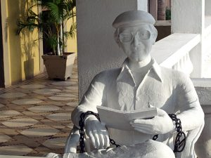 Statue of Charles Sobhraj at O'Coqueiro